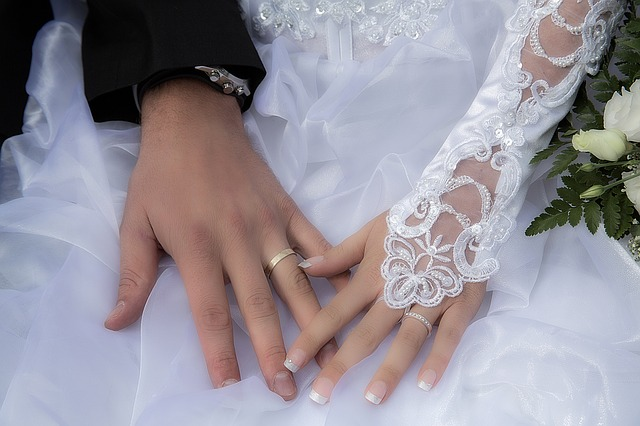 wedding-1442935_640