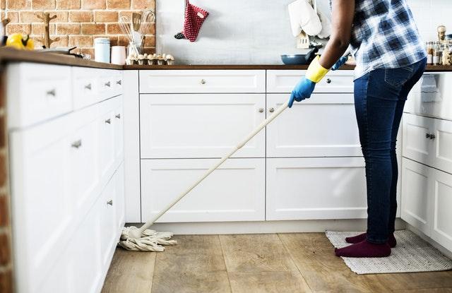 למה ואיך לבחור עוזרת בית?